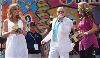 El rapero Pitbull en el Carnaval de la Calle Ocho