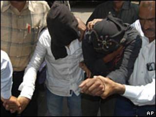 اعتقال مشتبهين بهما في مدينة مومباي الهندية
