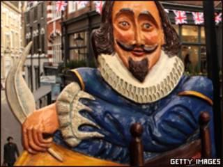 """Pancarta del pub """"Cabeza de Shakespeare"""" en el centro de Londres"""