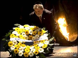 Lula visita Museu do Holocausto em Israel (AP/Bernat Armangue)