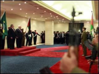 O presidente Luiz Inácio Lula da Silva é recebido por autoridades palestinas. Foto: Ricardo Stuckert/Presidência