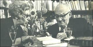 Esther Hoffe y Max Brod en 1968 (foto cortesía de Eva Hoffe)