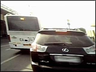 Машина, которая якобы принадлежит Илье Яшину. Кадр из видеоролика, выложенного на YouTube.
