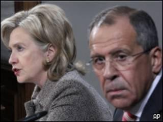 Hillary Clinton y Sergei Lavrov