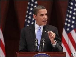 Barack Obama discursa para membros do Partido Democrata