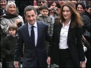 سارکوزی و کارلا برونی