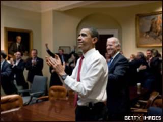 Barack Obama, presidente de Estados Unidos, reacciona ante la aprobación de la reforma de la salud