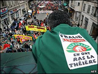 Manifestações de funcionários de uma fábrica de chá, em Marselha