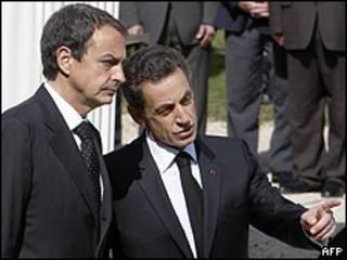 El presidente del gobierno español, José Luis Rodríguez Zapatero, y el presidente francés, Nicolás Sarkozy.