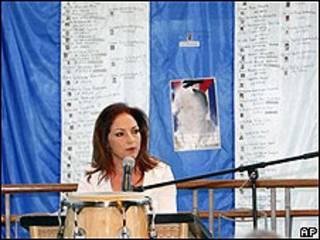 Gloria Estefan en conferencia de prensa por las Damas de Blanco