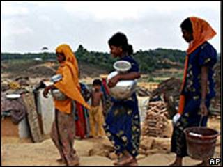 Buscando agua en Bangladesh