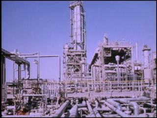 Нефтеперерабатывающий завод в Саудовской Аравии