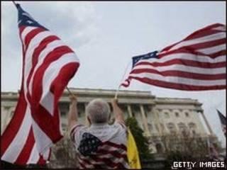 Manifestante frente al Congreso