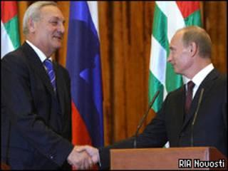 Сергей Багапш и Владимир Путин
