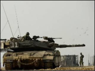 دبابة في موقع عمليات