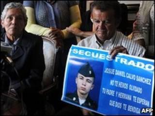 Familiares de soldado Josué Calvo, antes de su liberación por las FARC.