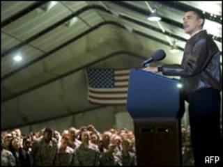Барак Обама обращается к войскам