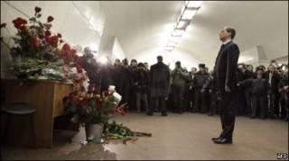 """Медведев на месте взрыва на станции метро """"Лубянка"""""""