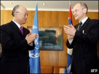 کیرینکو و آماتو این توافقنامه را امضا کردند