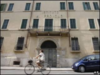 Fachada do Instituto Provolo, na Itália, onde teriam ocorrido abusos (AP/Arquivo)