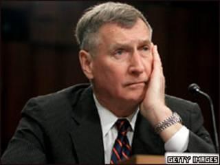 Отставной генерал Джон Шихан во время слушаний