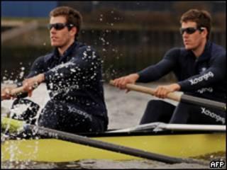 Los gemelos Cameron y Tyler Winklevoss correrán una tradicional competencia de remo en el Reino Unido
