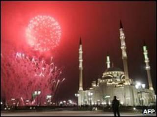 Мечеть в Грозном ночью