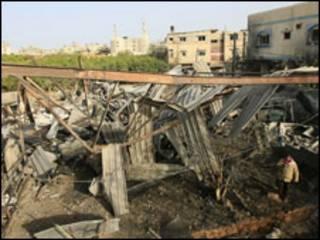 Руїни майстерні в Ґазі, зруйнованої ізраїльською авіацією