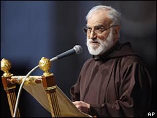 El predicador de la Casa Pontificia, Raniero Cantalamessa