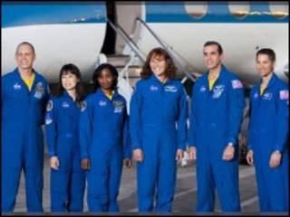डिस्कवरी के अंतरिक्ष यात्री
