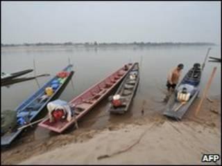 Đoạn sông Mekong gần Vientian, Lào