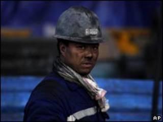عامل صيني في منجم فحم