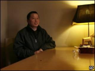高智晟在北京茶馆(07/04/2010)