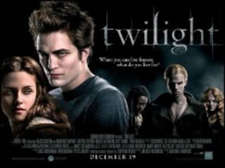 电影《暮光之城》(Twilight)海报