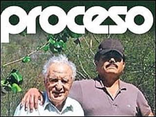 """El periodista Julio Scherer Garcia con Ismael """"El Mayo"""" Zambada en la portada de la revista Proceso"""