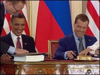 باراك أوباما وديمتري ميدفيديف