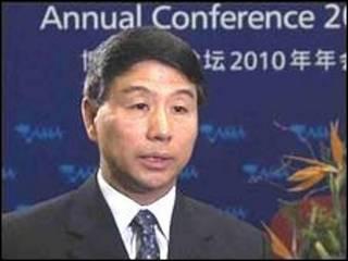Yi Xiaozhun, viceministro de Economía chino