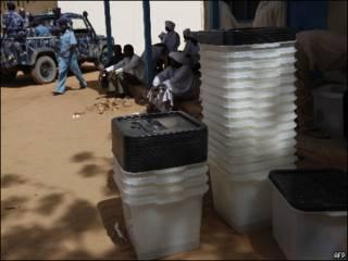 تجهيزات للانتخابات في الفاشر بولاية شمال دارفور