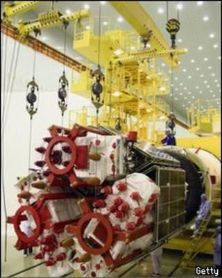 Спутник ГЛОНАСС на космодроме Байконур