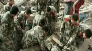Gempa juga menimbulkan kerusakan parah pada banyak bangunan di Qinghai