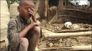 Разрушенная циклоном деревня