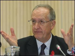 انتونیو ماریا کوستا، مقام سابق سازمان ملل متحد