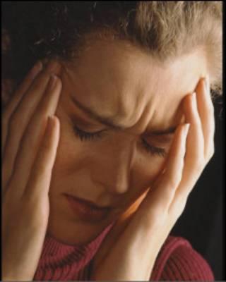 Женщина в состоянии нервного напряжения