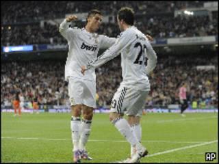 احتفال رونالدو وهيجواين لاعبي ريال مدريد