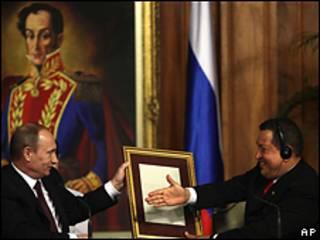 Президент Венесуэлы Чавес и премьер-министр России Путин на переговорах