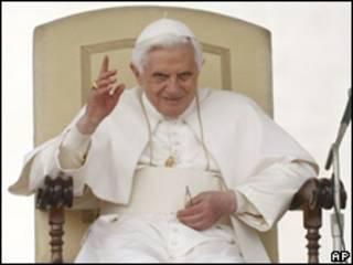 Benedicto XVI en el Vaticano