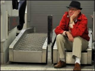 Пассажир в аэропорту Манчестера