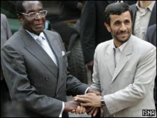 احمدی نژاد و موگابه