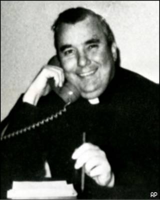 Отец Лоренс Мерфи