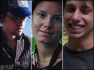 صورة تجمع المعتقلين الأمريكيين الثلاثة